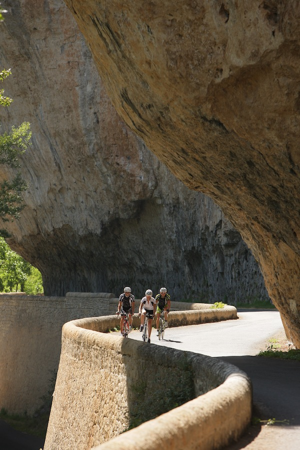 cycling_along_the_Gorges